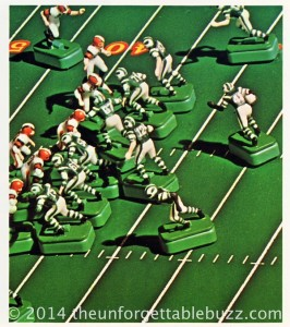 Electric Football Browns and Jets as they appeared on the 1970 Tudor AFC No. 610.